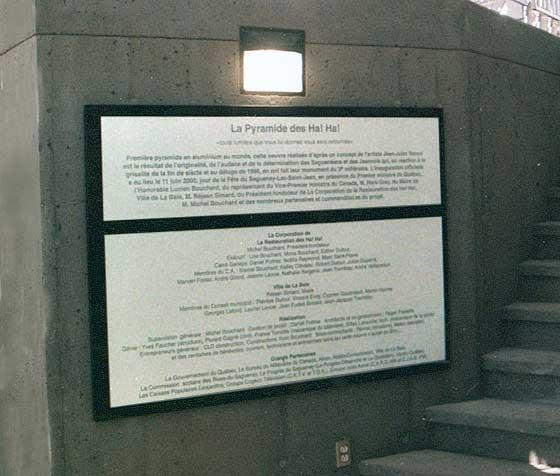 Monument - Granit et aluminium - Ville de La Baie