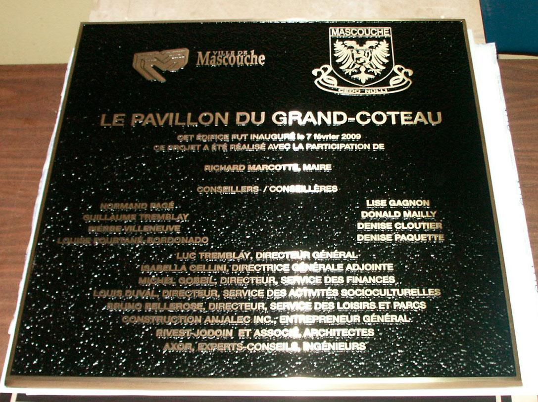 plaque de bronze coulé