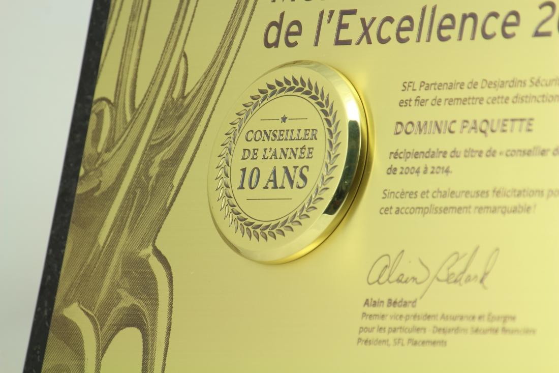 plaque commémorative -Granit laiton gravé - sfl