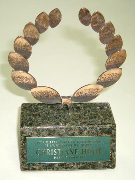 Trophée - Bronze, granit et laiton - Université du Québec