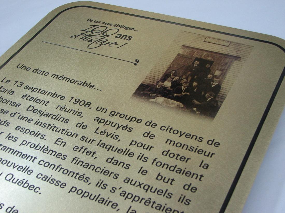 plaque commémorative en muntz et gravé