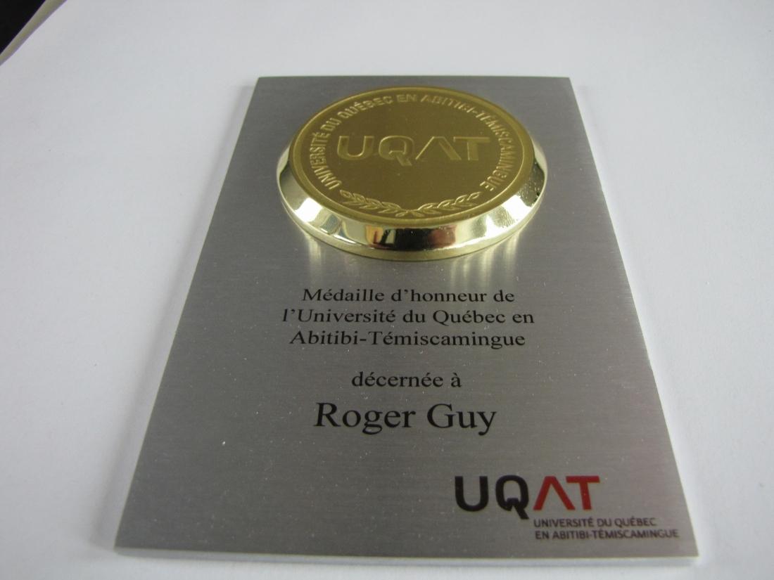 Plaque reconnaissance - aluminium et laiton - UQAT